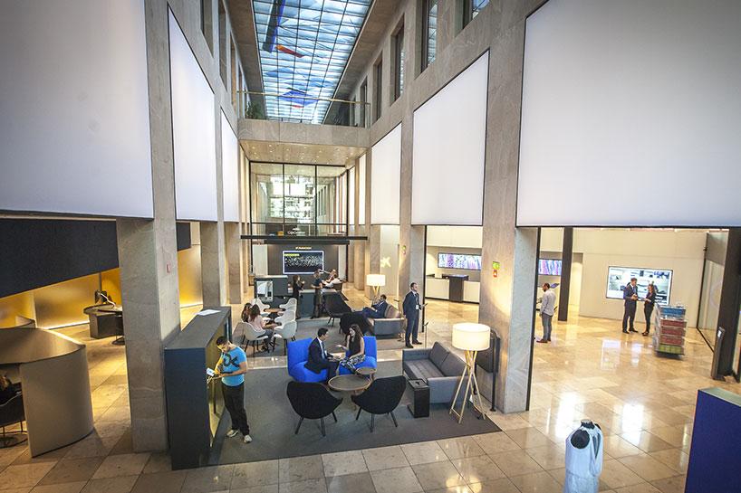 Oficines store caixabank for Caixa oficinas pamplona